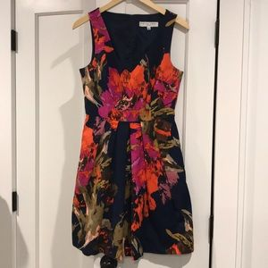 Preowned Trina Turk Dress Floral/Navy Size 6